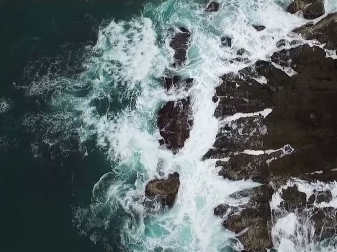 1428753717_i-am-fascinated-by-what-waves-and-surge-against-rocks-look-like-from-the-aerial-perspective-drone-enthusiast-eric-cheng-says-of-his-footage.jpg