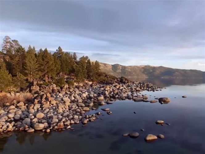 1428754160_lake-tahoe-looks-beautiful-in-this-drone-tour-shot-by-a-dji-inspire-drone.jpg
