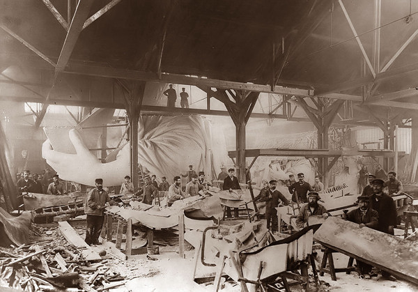 1429119267_15-of-the-rarest-and-most-mind-blowing-photographs-in-history-9.jpg