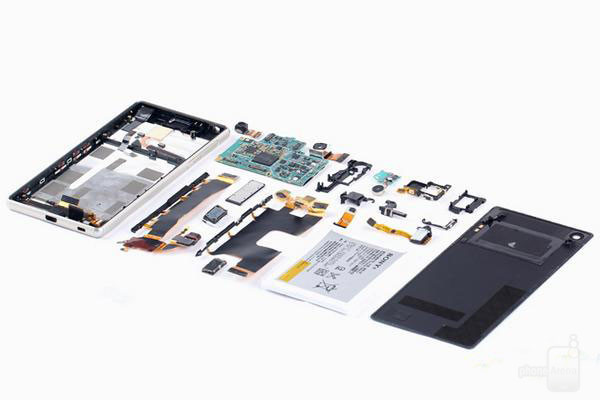 1435620776_sony-xperia-z3-z4-teardown-11.jpg
