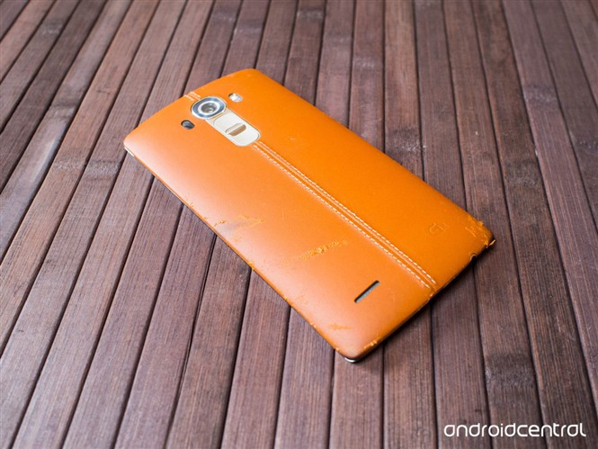 1439994101_lg-g4-leather-back-covers-after-some-use-1.jpg