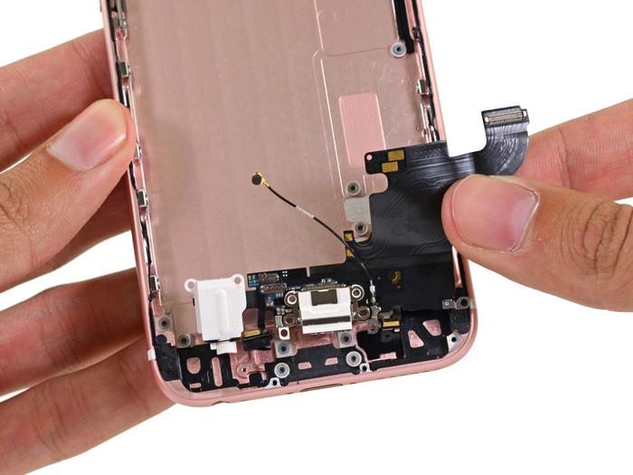 1443265110_apple-iphone-6s-teardown-23.jpg
