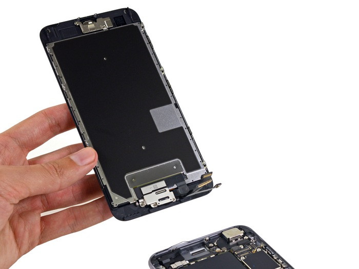 1443520943_apple-iphone-6s-plus-teardown-7.jpg