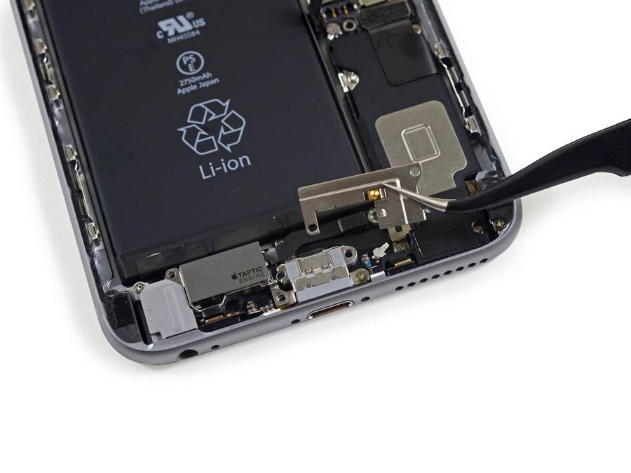 1443520960_apple-iphone-6s-plus-teardown-9.jpg
