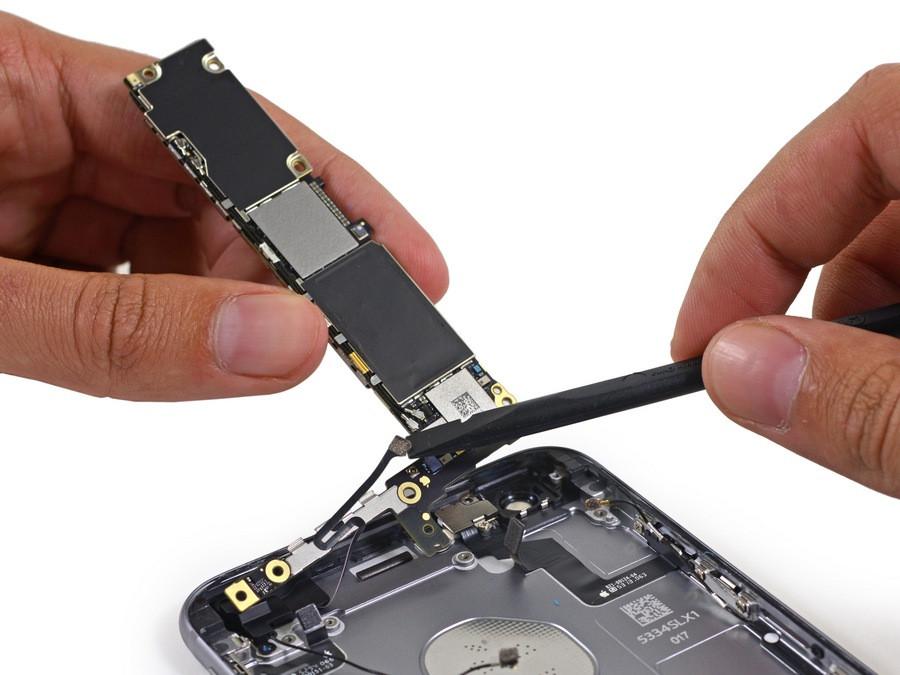 1443521156_apple-iphone-6s-plus-teardown-19.jpg