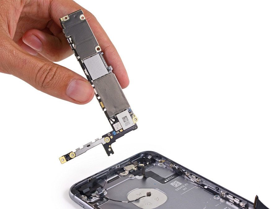 1443521181_apple-iphone-6s-plus-teardown-20.jpg