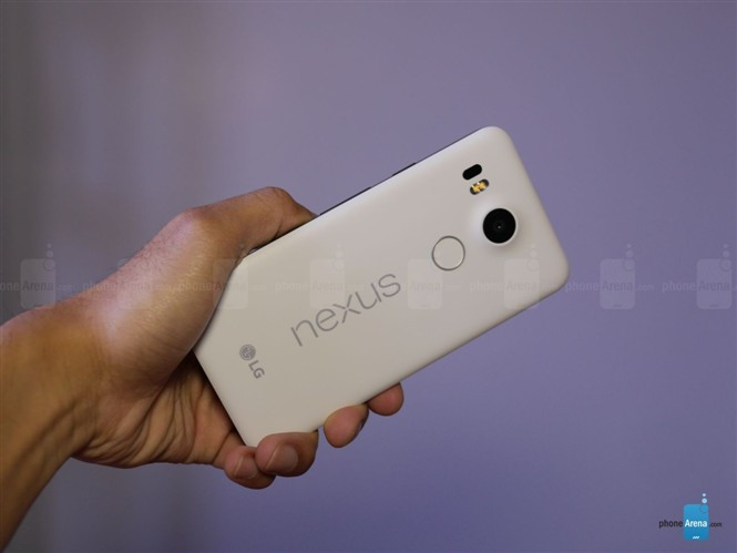 1445246148_google-nexus-5x-unboxing-5.jpg