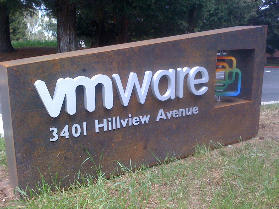 1445945492_vmware-sign-chad-scott-flickr.jpg