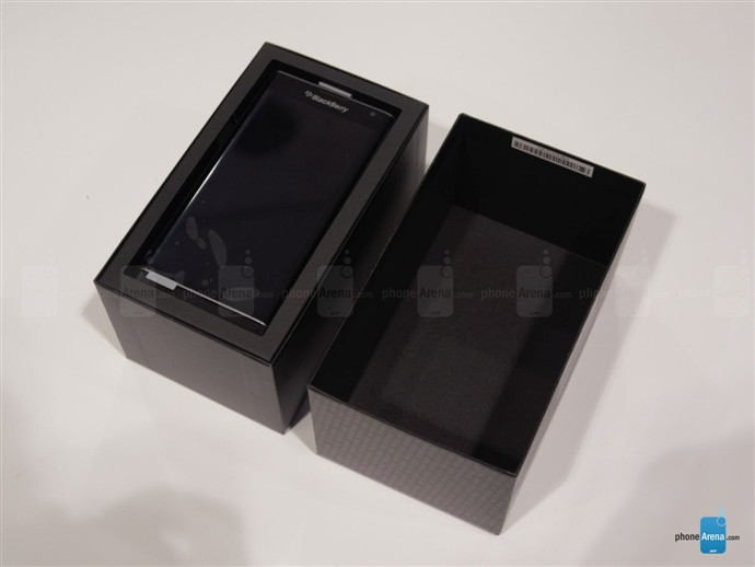 1446789144_blackberry-priv-unboxing-2.jpg