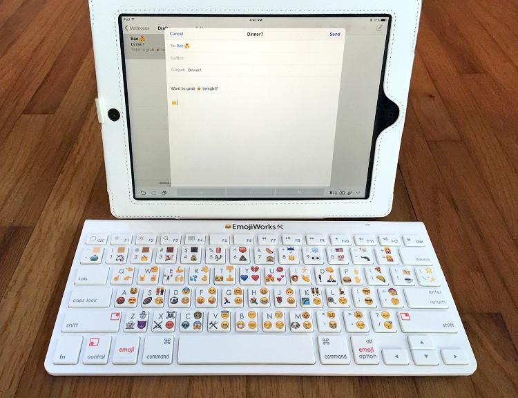 1446804013_emojikeyboardproipad.jpg