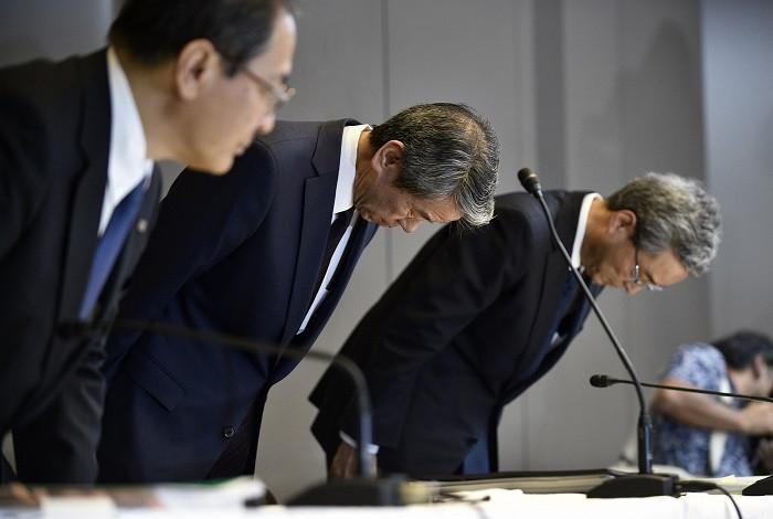 1450697213_ceo-toshiba-resigns.jpg