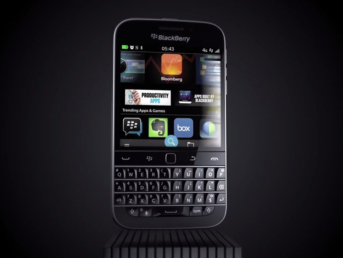 1451815898_19-blackberry-classic.jpg