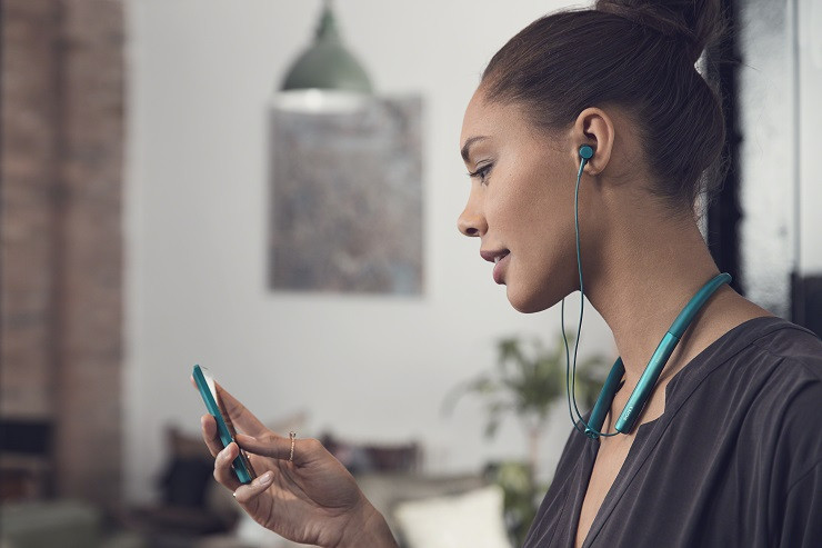 """Sony Yüksek Çözünürlüklü Ses deneyimi sunan """"h.ear"""" kulaklığını tanıttı"""