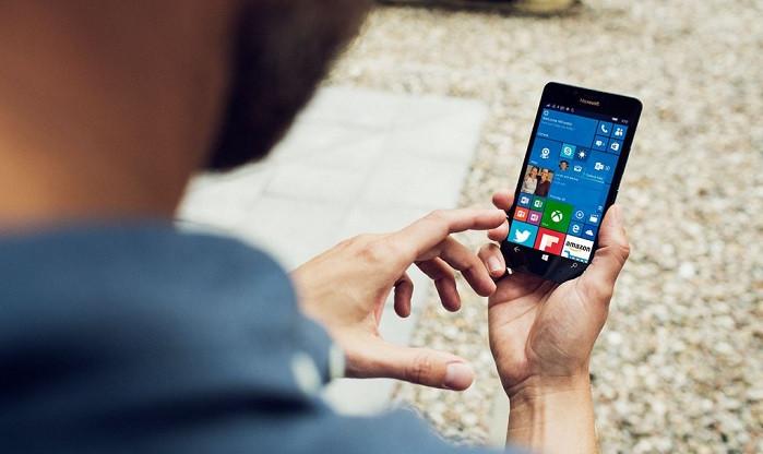 1452836776_lumia950office-1024x682.jpg