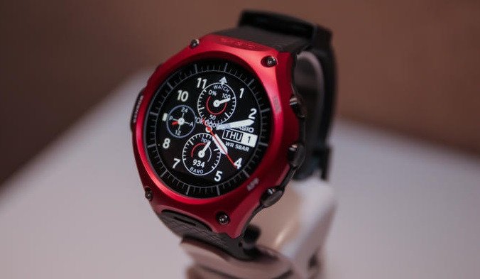 1458026065_casio-wsd-f10-android-wear-smart-watch-product-photos-5.jpg