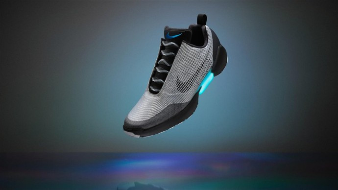 1458201914_future-versions-of-the-shoe-however-will-adjust-automatically-while-in-use.jpg
