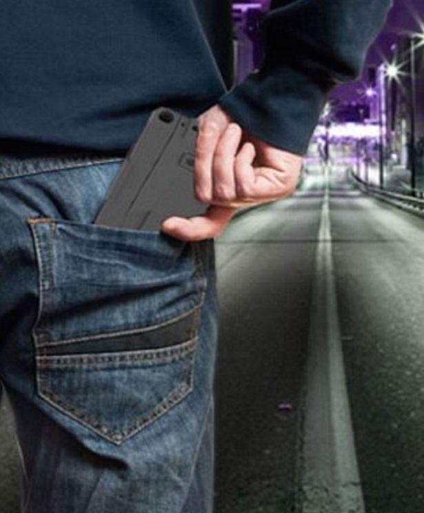 1459010159_gun-that-looks-like-a-smartphone-2.jpg