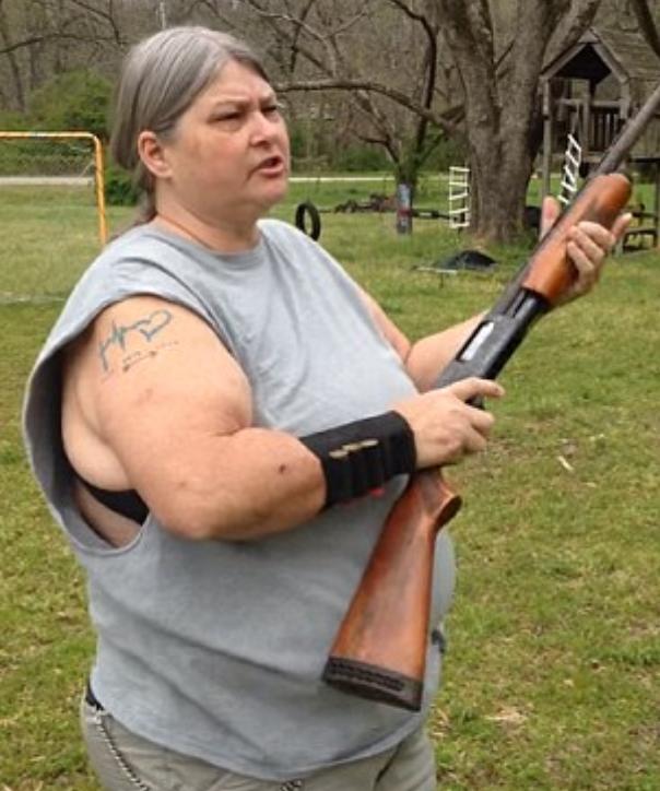 1460272832_momma-carries-a-big-gun.jpg