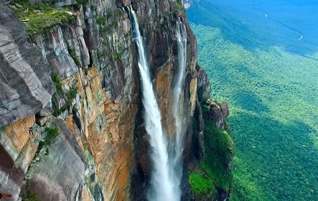 1461929894_angel-falls-venezuela-drone-footage.jpg