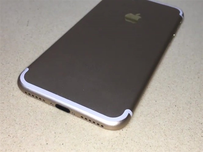 1469197537_alleged-iphone-7-in-rose-gold-silver-and-dark-gray-2.jpg