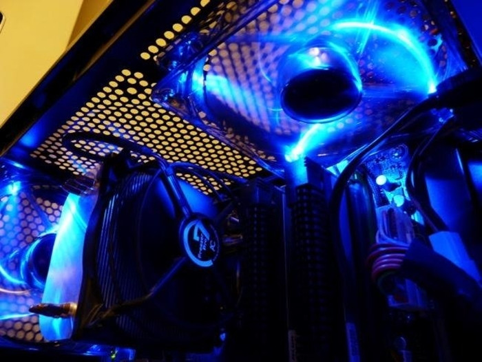 1470852528_650x488xfans-with-leds-in-computer-case.jpg.pagespeed.gpjpjwpjjsrjrprwricpmd.ic.gwgoxxfd8v.jpg