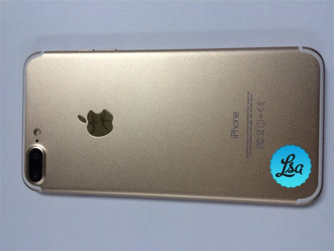 1471004936_leaked-images-of-the-iphone-7-and-iphone-7-plus-in-gold-and-space-black-4.jpg