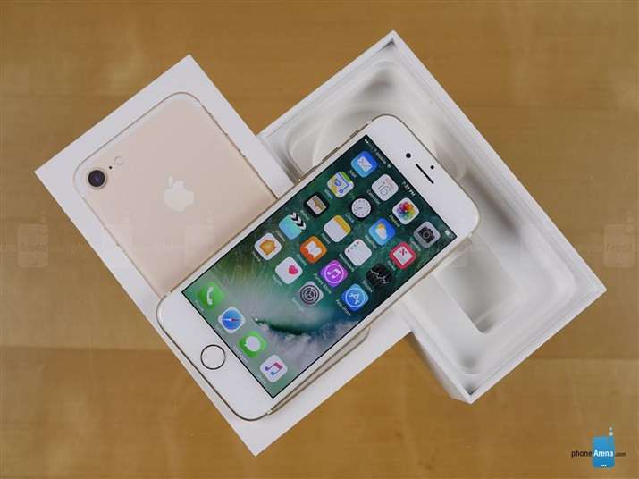 1474127430_apple-iphone-7-unboxing-1.jpg