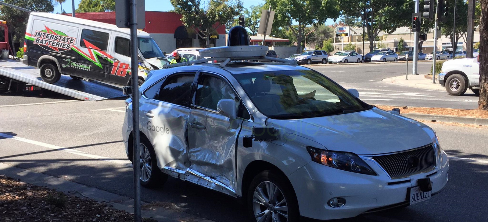 1474875709_google-self-driving-car-intersection-accident.jpg