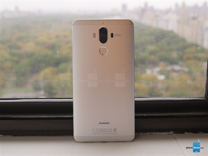 1478183189_huawei-mate-9-hands-on-gallery.jpg