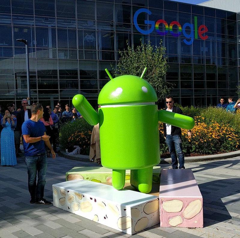 1481013556_google-android-nougat-statue.jpg