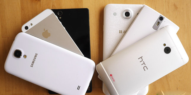 1481485409_smartphones-stacked-android-best-iphone-apple-samsung-lg-htc.jpg