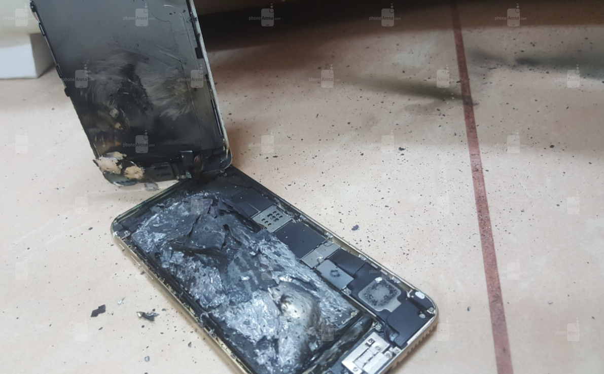1481871650_apple-iphone-6s-explodes-and-then-catches-on-fire.jpg