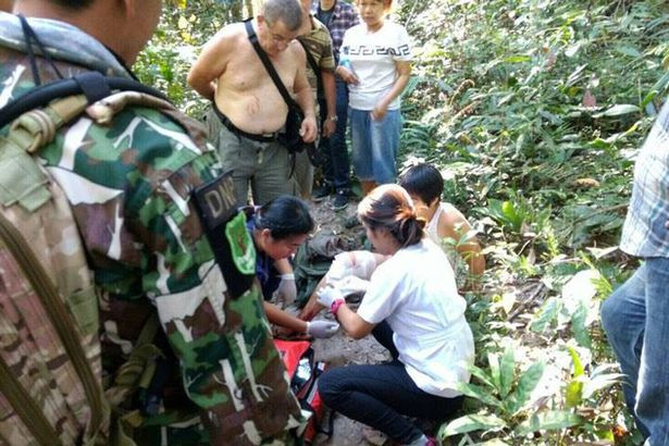 1483428164_the-frantic-aftermath-of-an-incident-that-saw-a-crocodile-bite-a-woman-who-was-taking-a-selfie-with-the-animal.jpg