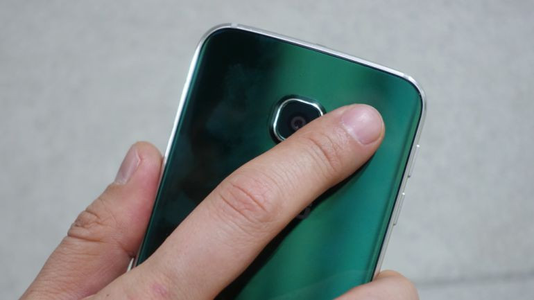 1485953888_the-placement-of-the-finger-scanner-is-actually-logical.jpg