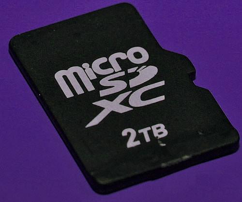 1486537088_micro-sdxc-2tb.jpg
