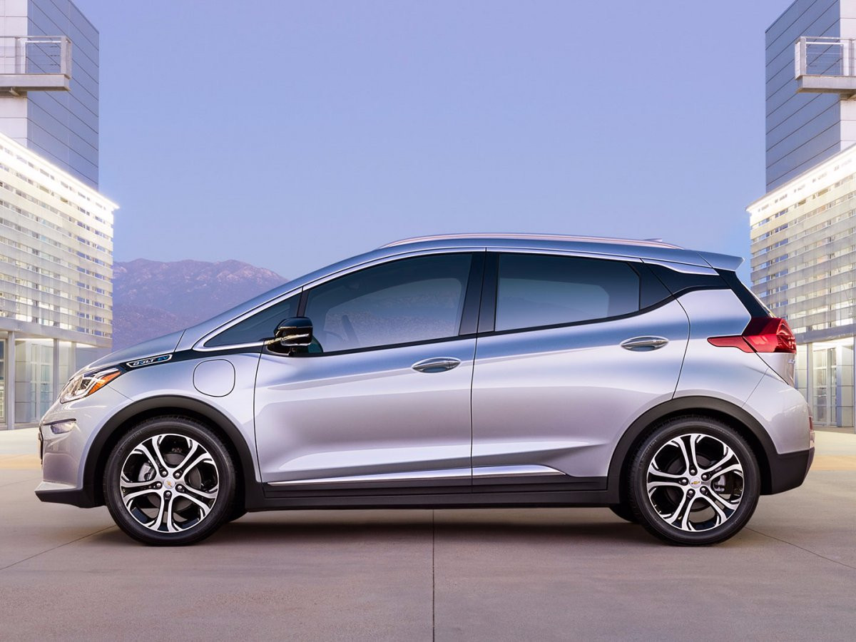 1487246142_in-october-2016-gm-made-a-big-push-into-the-electric-car-space-with-the-launch-of-its-chevy-bolt-an-all-electric-car-with-a-range-of-more-than-200-miles-per-charge.jpg