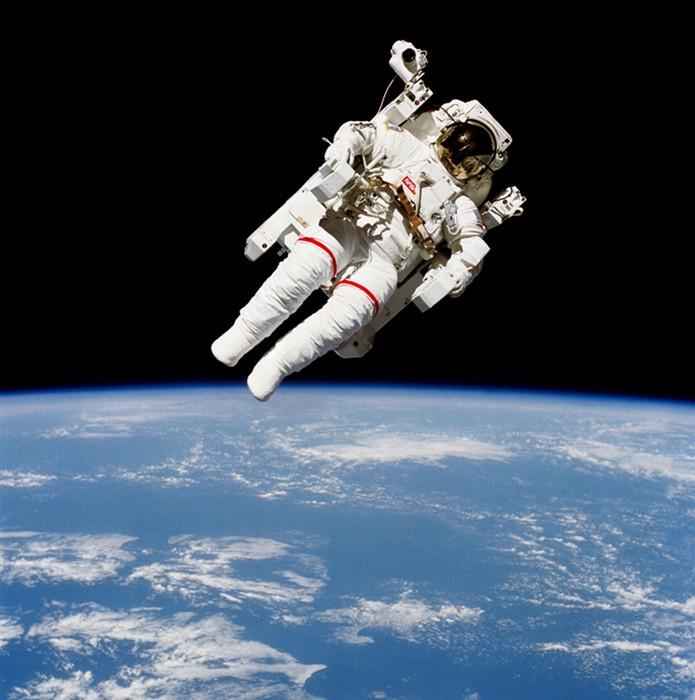 1488401579_nasa-spacewalk.jpg