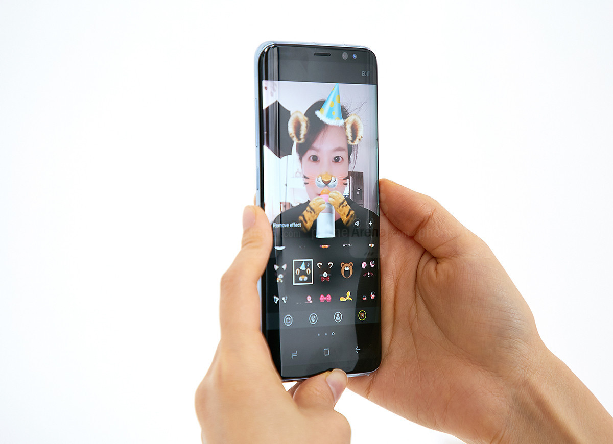 1490858242_upgraded-front-facing-shooter-with-face-detection-autofocus.jpg