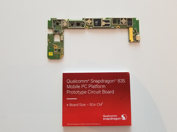 1496233418_qualcomm-snapdragon-835-mobile-pc-platform-prototype-circuit-board.jpg