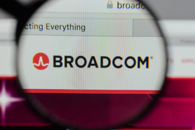 1509974545_broadcom-magnifying-glass.jpg