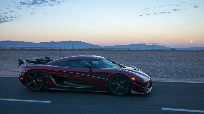 1510085030_koenigsegg-agera-rs-sets-new-record-for-fastest-production-car.jpg