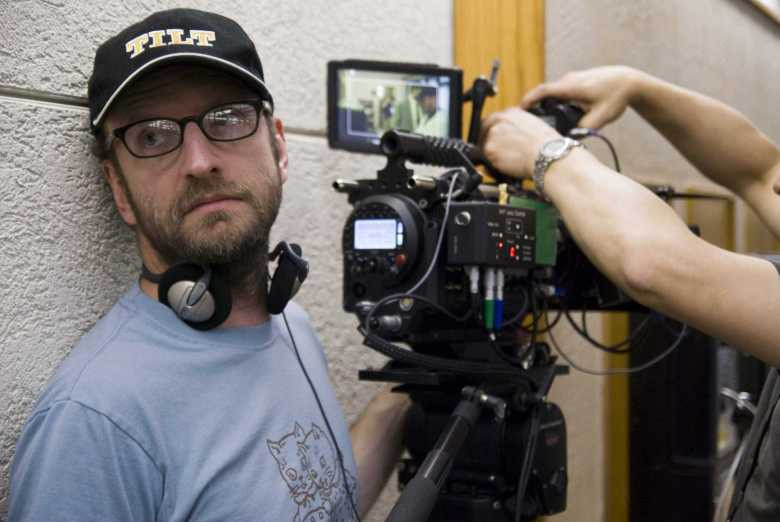 1510736187_soderbergh-directing-the-informant.jpg