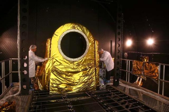 1511094930_turkiye-nin-uydu-merkezi-kapilarini-ilk-kez-acti-10256915364m.jpg