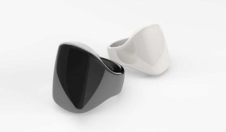1511869673_oura-ring-black-white.jpg