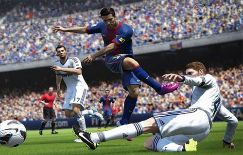 PES 2014 FIFA 14'e karşı!