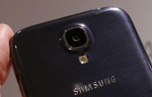 Galaxy S5 bu özelliklerle yıkıp geçecek!