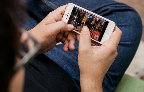 Hem oyun konsolu hem iPhone kabı!
