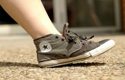 Ayakkabı tabanından şarj aleti olur mu?