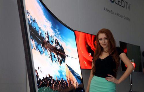 Samsung, kavisli OLED TV'leriyle pazarı ele geçirecek!
