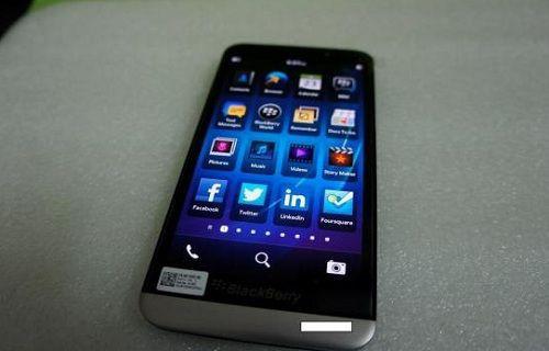 5-inçlik BlackBerry A10'dan yeni görüntüler!